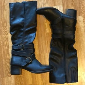 Shoes - 👢 BRAND NEW BLACK HEELED BOOTS!!!!!!